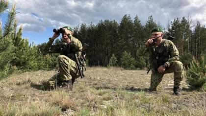 Україна посилено охороняє кордон з Білоруссю – з дронами, собаками та катерами: відео