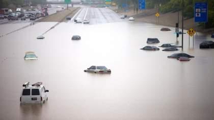 """У Вашингтоні пройшла сильна злива: столиця США """"попливла"""" – фото, відео"""
