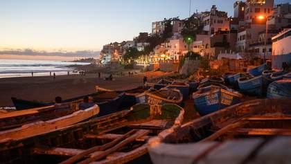 Марокканська плитка та тераси: фото комфортної житлової багатоповерхівки з Африки