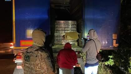 Схема на понад 8 мільйонів: СБУ викрила контрабанду продуктів на окуповану Донеччину