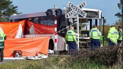 У Новій Зеландії не розминулися поїзд та шкільний автобус: є постраждалі та загиблі – фото