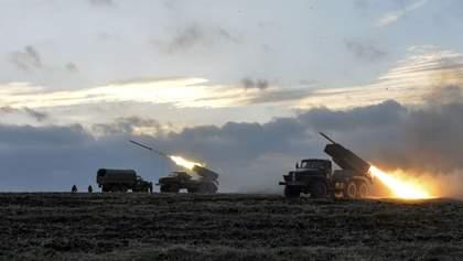 """ОБСЄ зафіксувала танки та """"Гради"""" за лініями відведення на Донбасі"""
