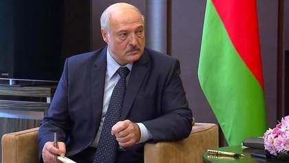 Руководят американцы: Лукашенко снова обвинил Украину в политических провокациях