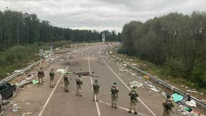 Усе навколо у смітті: що залишилося після хасидів на білорусько-українському кордоні – фото