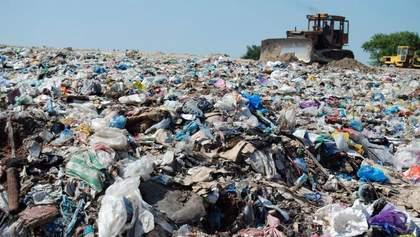 У Києві знайшли величезне незаконне сміттєзвалище: збитки сягають понад 54 мільйона гривень