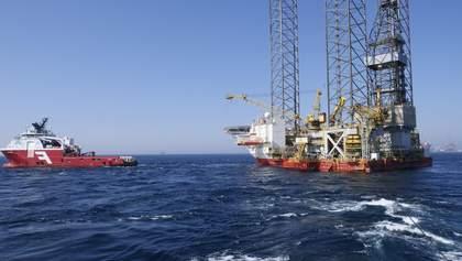 Урагани в США, ситуація в Лівії та пандемія: нафта знову дешевшає