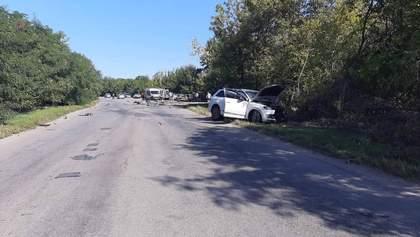 Моторошна аварія під Вінницею: двоє малолітніх дітей у реанімації