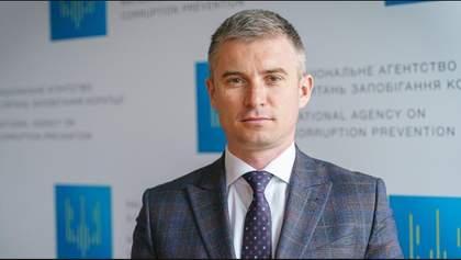 Глава НАЗК Новіков обвинуватив керівництво ДБР у спробах тиску: деталі