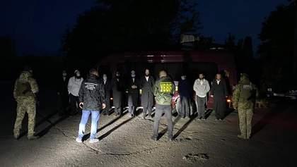 На кордоні з Молдовою спіймали хасидів-нелегалів: їх депортують і заборонять в'їзд на 5 років