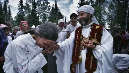 В России спецназ ФСБ задержал руководителей религиозной секты: видео