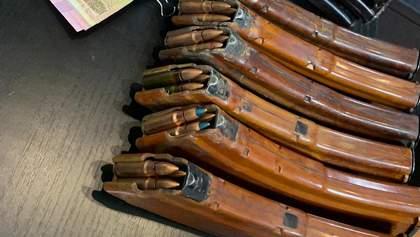 У головного патрульного Донеччини знайшли склад боєприпасів: фото