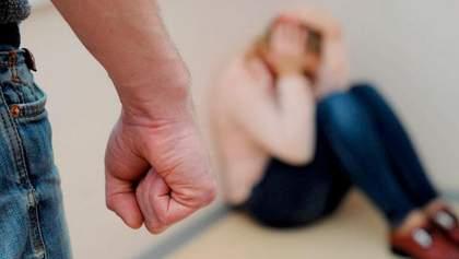 Домашнє насильство з боку силовиків: Кабмін посилив відповідальність для військових і поліції