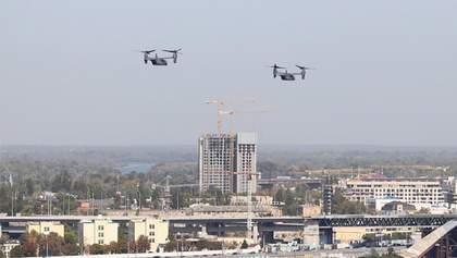 Американські військові літаки пролетіли в небі над Україною: що про це відомо – відео, фото