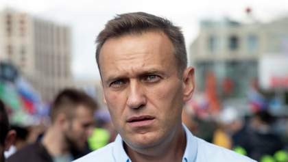 Буду учиться стоять на одной ноге, – Навальный о планах после выписки