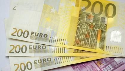 Курс валют на 24 вересня: євро і долар продовжили падіння