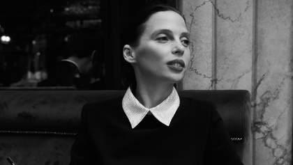 Украинка с парижским шармом: Ирена Карпа снялась в стильной фотосессии, посвященной новой книге