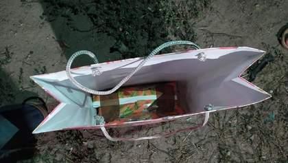 """На Житомирщине претендентке на должность главы ОТГ подарили """"взрывчатку"""": фото и подробности"""