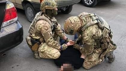 Требовал 40 тысяч долларов мнимого долга: в Тернополе задержали начальника налоговой – фото