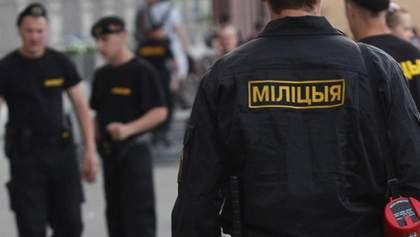 У Білорусі силовик вдарив вагітну в живіт: вона втратила дитину – деталі