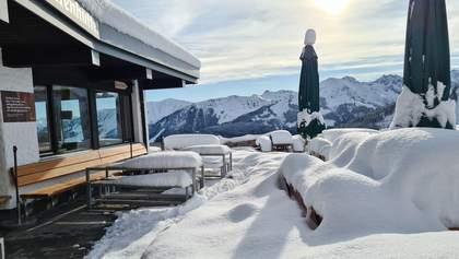 О разгаре осени не слышала: в Альпы неожиданно рано пришла зима – видео, фото