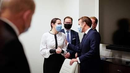 У Білорусі іронічно відреагували на зустріч Макрона з Тихановською