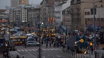 Учасники протестів проти обмеження абортів у Польщі перекрили вулиці міст: відео