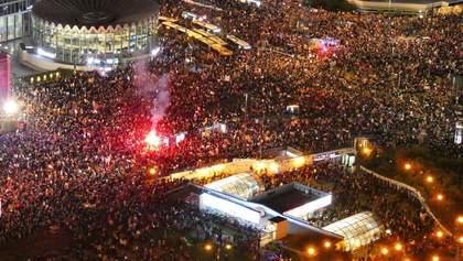 Багатотисячний протест у Варшаві через заборону абортів: вражаючі відео