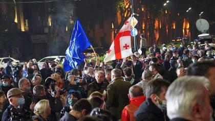Протесты в Грузии набирают обороты: оппозиция поставила палатки под парламентом