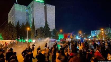 Під час протестів у Тбілісі постраждали декілька людей: фото, відео