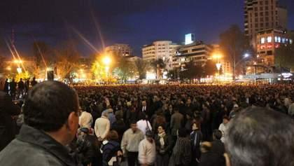 У Вірменії поновились протести: люди вимагають анулювати угоду про мир – відео