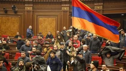Вірменія програла у війні, – політолог про протести в країні