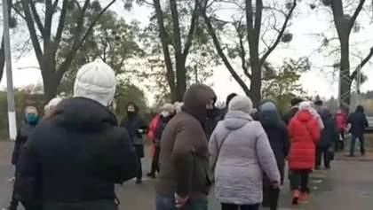 В Житомирской области предприниматели перекрыли трассу: видео