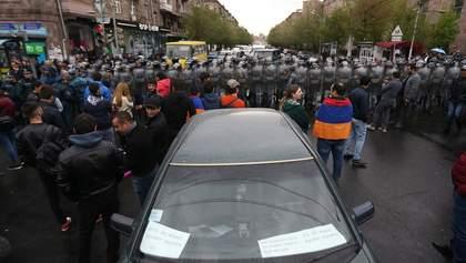 Протести в Єревані не вщухають: правоохоронці затримали кілька десятків людей