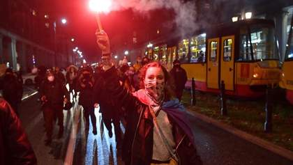 У Польщі жінки знову протестували через заборону абортів