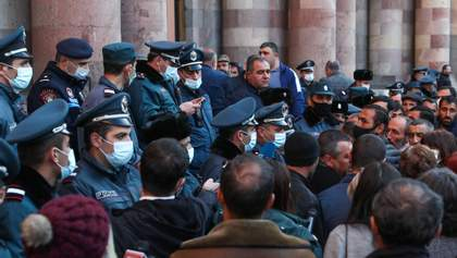 У Вірменії не скасовують воєнний стан: у чому причина