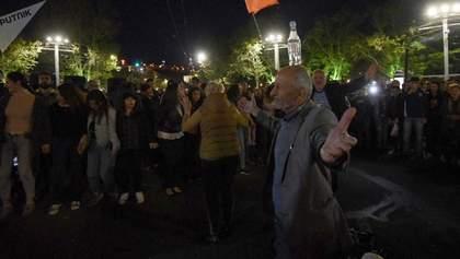 В Армении возобновились протесты: люди требуют отставки премьера Пашиняна – фото, видео