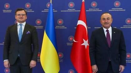 Кулеба зустрівся з міністром закордонних справ Туреччини: деталі