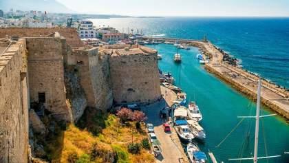 Кипр будет впускать вакцинированных туристов без теста на коронавирус
