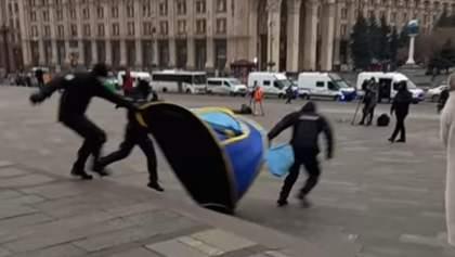 На Майдані знову сталися сутички між ФОПами та копами: відео