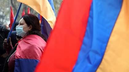 """""""Нікол іди геть"""": у Єревані третій день поспіль тривають масштабні протести – відео"""