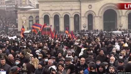 Требуют отставку Пашиняна: оппозиция Армении объявила общенациональную забастовку