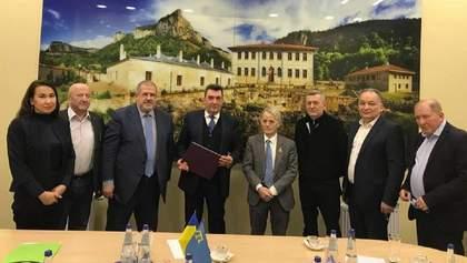 Секретар РНБО Данілов обговорив стратегію деокупації Криму з кримськими татарами