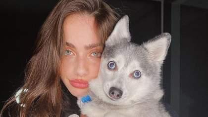 Як одягається модель Яель Шелбі – дівчина з найкрасивішим обличчям у світі