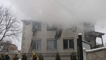 Весь 2 поверх вже був у вогні: з'явилось відео перших хвилин пожежі у Харкові