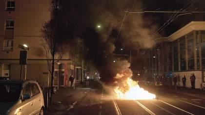 Взорвали мост в Амстердаме: как в Нидерландах протестуют против карантина – эпичное видео