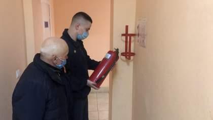 ДСНС перевіряє дотримання пожежної безпеки у будинках престарілих: фото