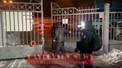 Охрана заблокировала киностудию Довженко, откуда ZIK транслируют в ютуб