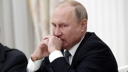 Путіну закрили рот в Україні, – журналіст Скоріна про блокування телеканалів Медведчука