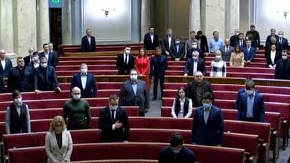 Відомі імена всіх жертв пожежі у Запоріжжі: Рада вшанувала їх хвилиною мовчання