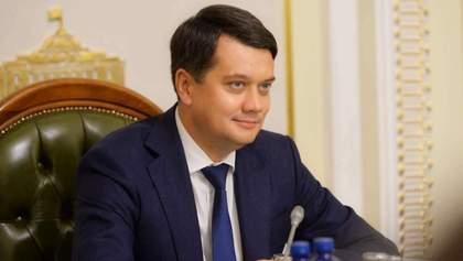 Статус так впливає: Кравчук відповіла, чому Разумков не підтримав санкції проти каналів